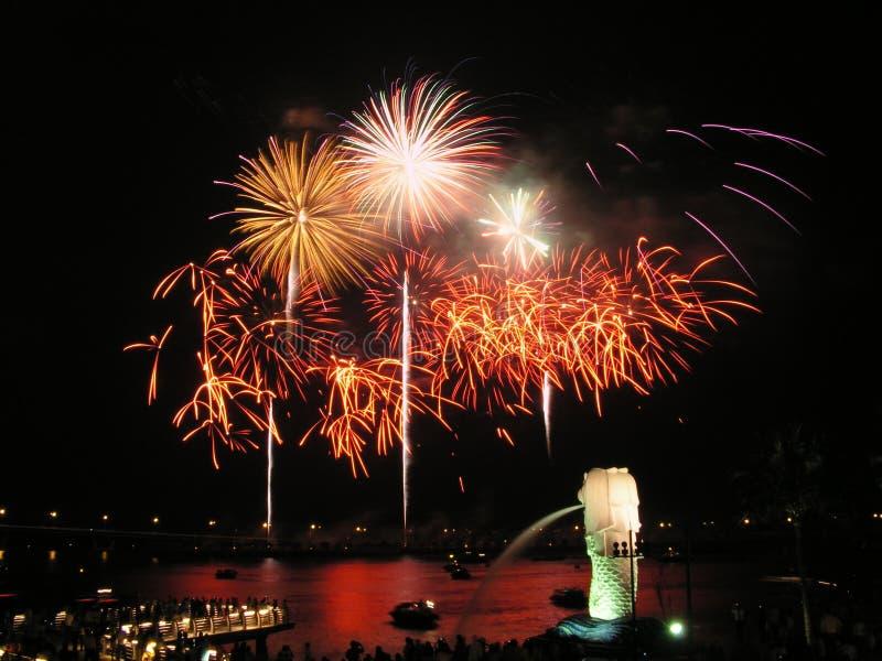Feuerwerke in Singapur lizenzfreie stockfotos
