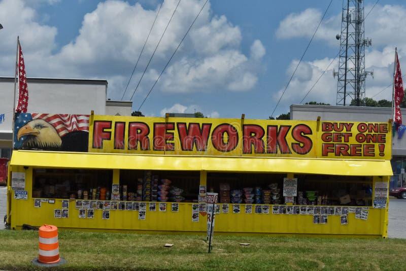 Feuerwerke stehen zwei Tage nachdem Juli 4. lizenzfreies stockbild