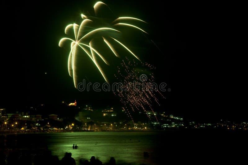 Feuerwerke am Strand in Brasilien stockfoto