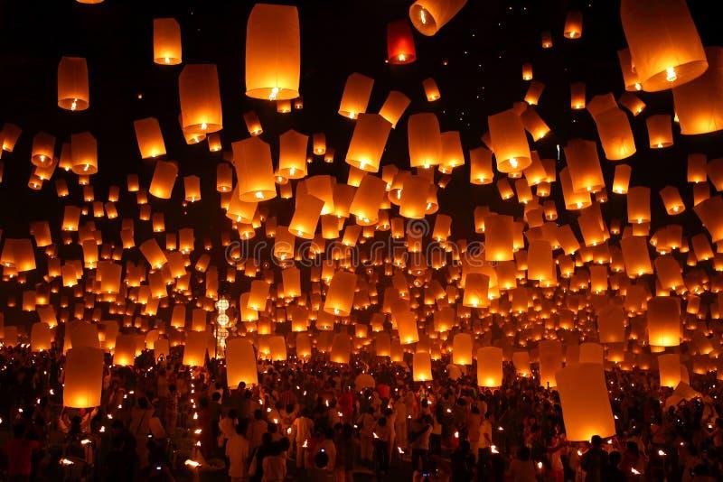 Feuerwerksfestival in Thailand stockbild