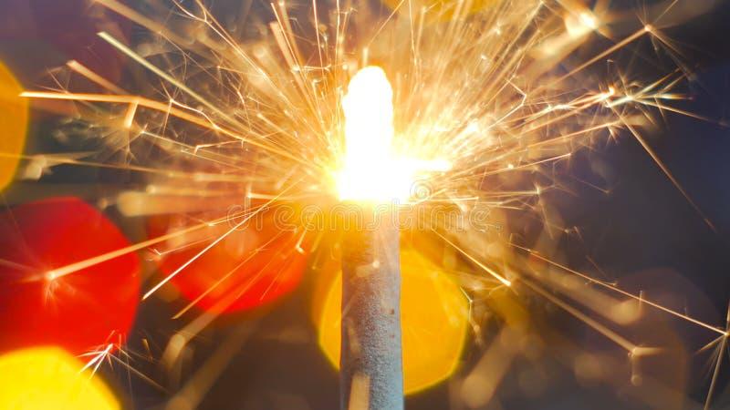 Feuerwerkswunderkerze Burning lizenzfreies stockbild