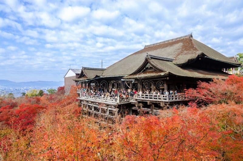 Feuille d'automne dans le temple de Kiyomizu-dera images libres de droits
