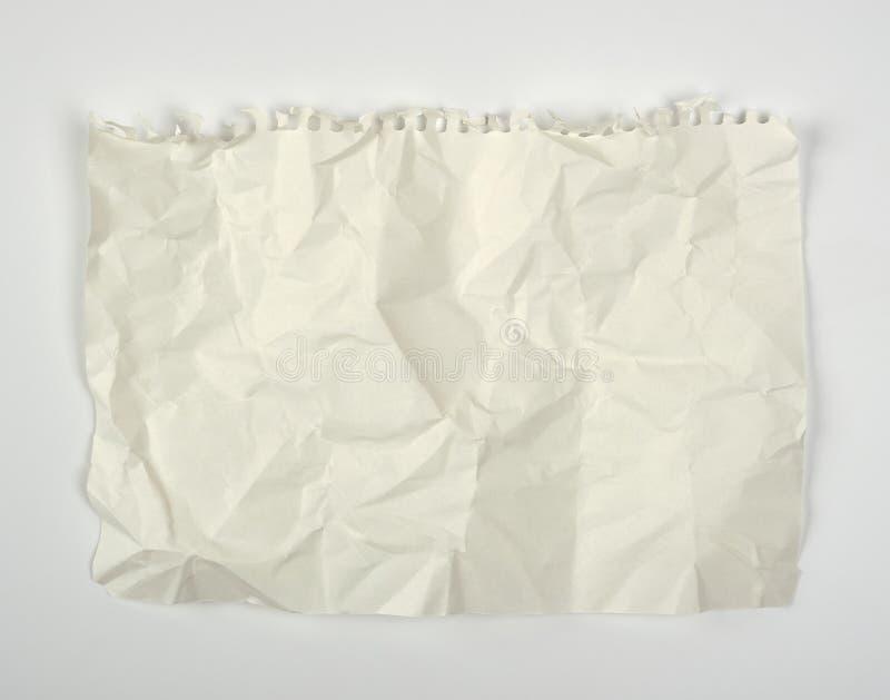 feuille de blanc de papier rectangulaire blanche chiffonnée déchirée hors d'un carnet de notes à spirale photos libres de droits
