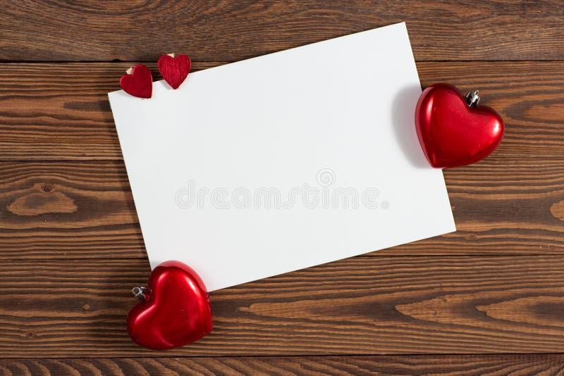 Feuille de Copyspace de papier avec le decorationsconcep de Noël de coeurs photographie stock libre de droits