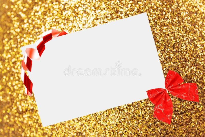 Feuille de Noël de papier avec la proue photos libres de droits