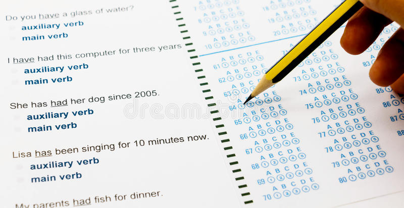 Feuille de questions et réponses pour l'essai anglais de verbe auxiliaire images stock