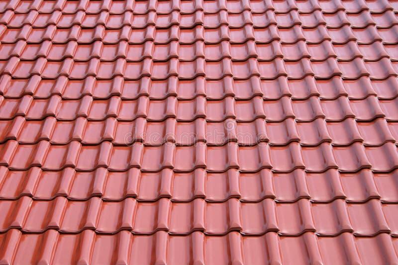 Feuille de tuile en métal de toit photos libres de droits