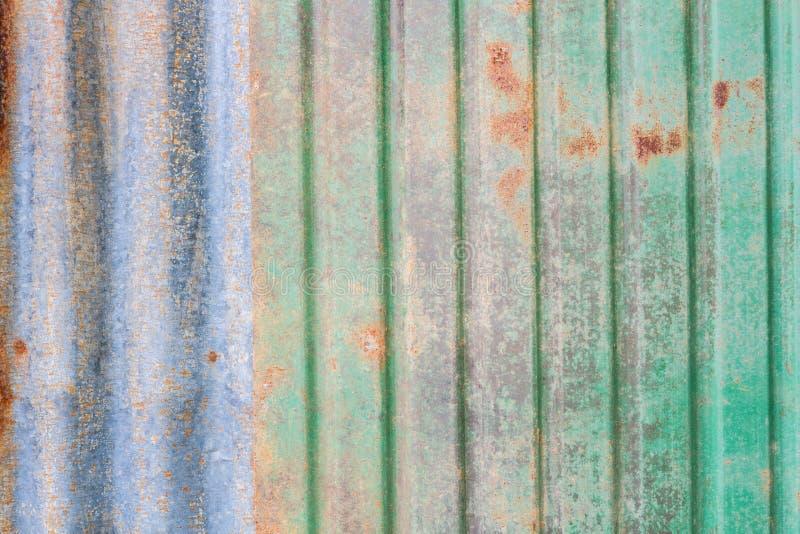 Download Feuille rouillée de zinc photo stock. Image du acier - 56482544