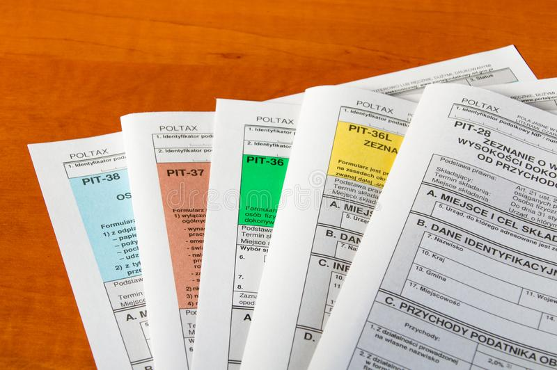 Feuilles d'impôt polonaises image stock
