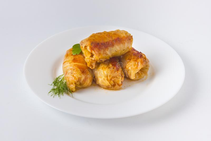 Feuilles de chou bourré avec la cuisine roumaine traditionnelle de viande photographie stock libre de droits
