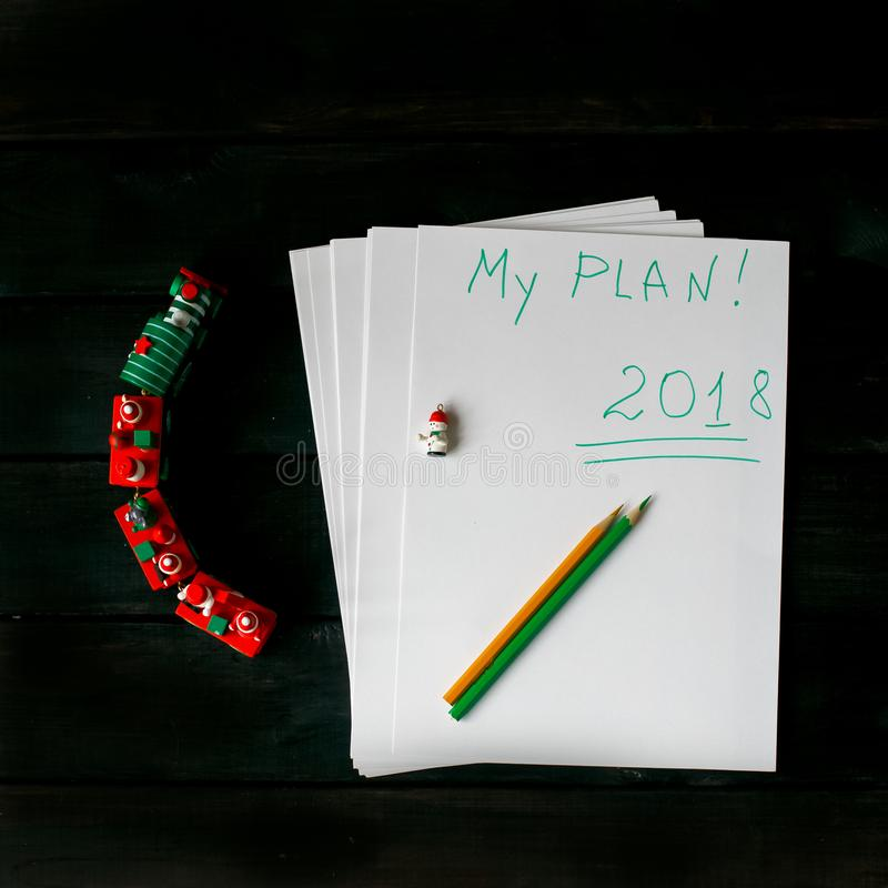Feuilles de papier avec l'inscription 2018, mon plan photographie stock libre de droits