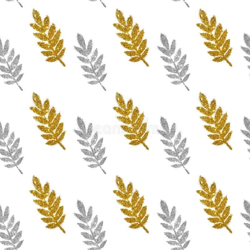 Feuilles de scintillement d'or et argenté sur le fond blanc, modèle sans couture photos libres de droits