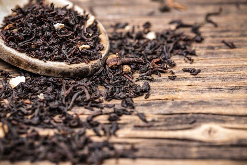 Feuilles de thé noir photographie stock
