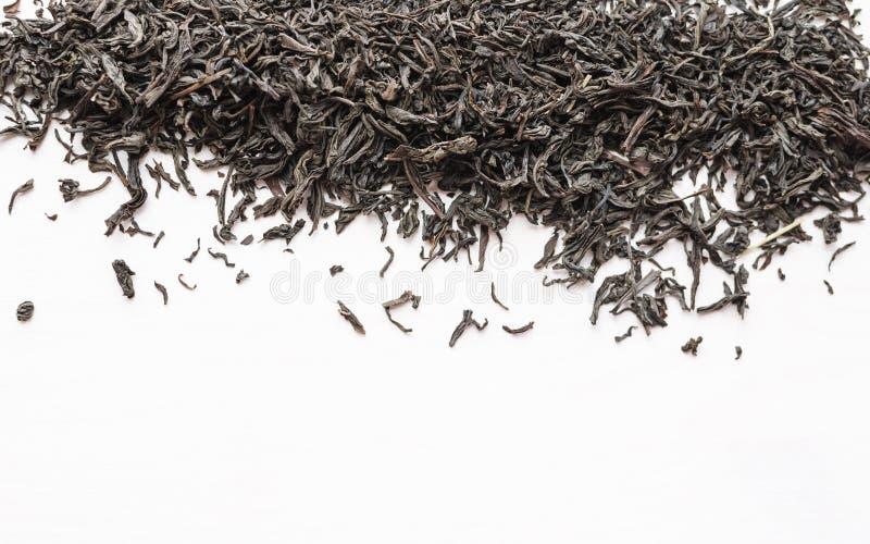 Feuilles de thé noires sèches photos libres de droits