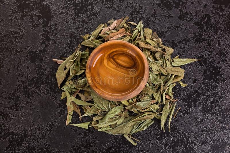 Feuilles et thé de zacatechichi de Calea images libres de droits
