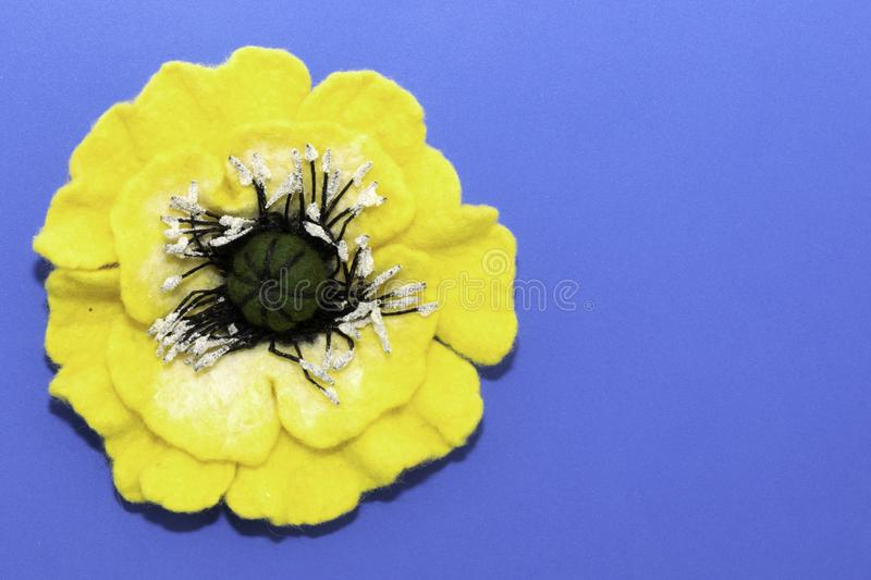 Feutre fait main, fleurs photos libres de droits