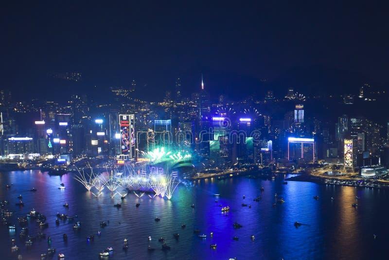 Feux d artifice 2013 de compte à rebours de Hong Kong