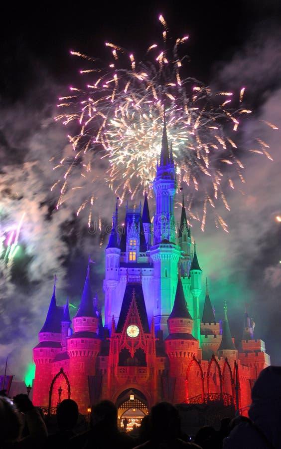 Feux d'artifice au château de Disney Cendrillon image libre de droits