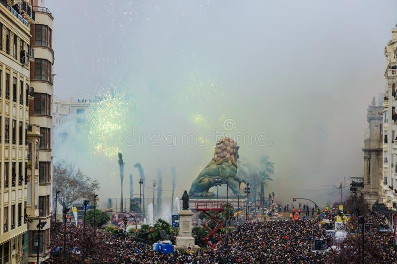 Feux d'artifice dans le festival de Las Fallas à Valence, Espagne photos libres de droits