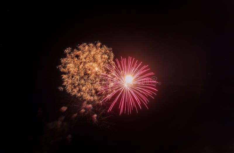 Feux d'artifice et Jour de la Déclaration d'Indépendance de célébration de nouvelle année images stock