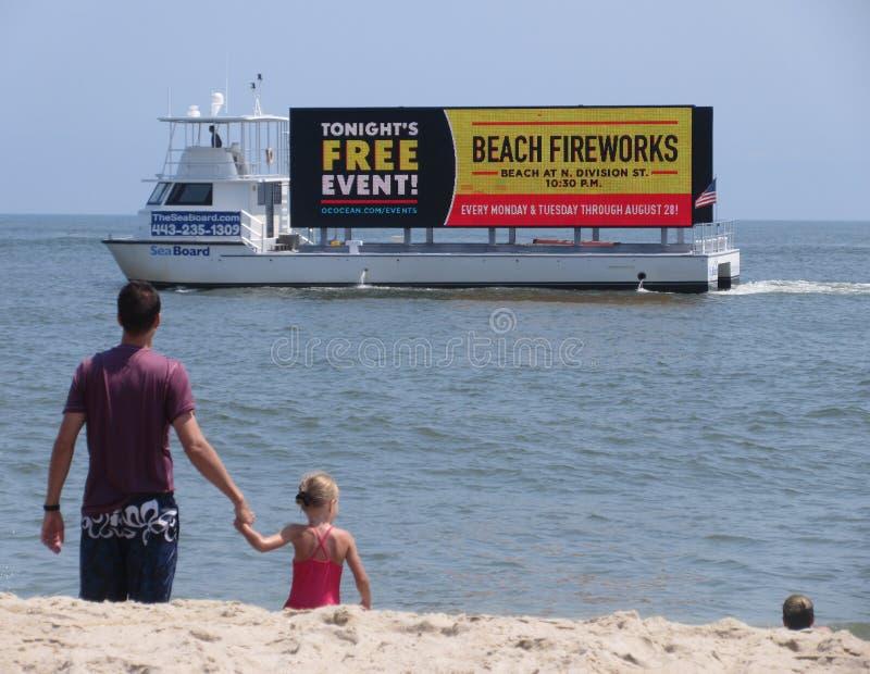 Feux d'artifice gratuits de plage photos stock