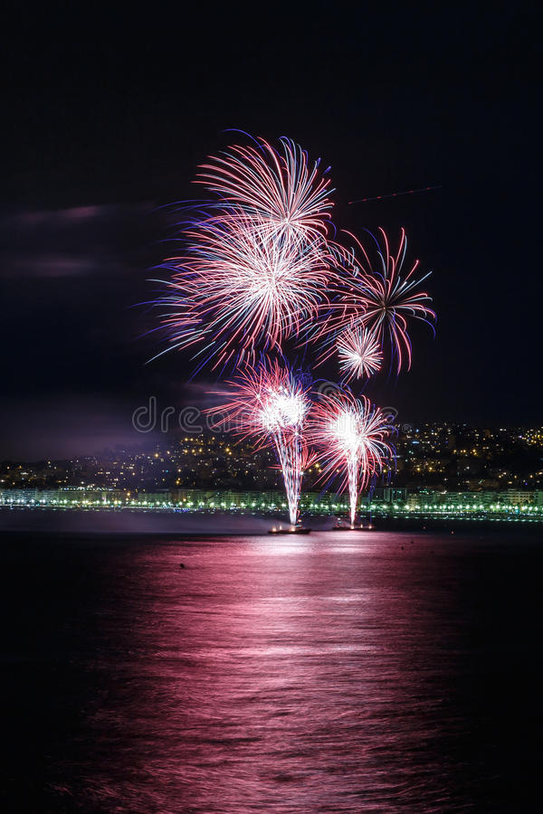 Feux d'artifice jour célébrations le 14 juillet à Nice photographie stock libre de droits