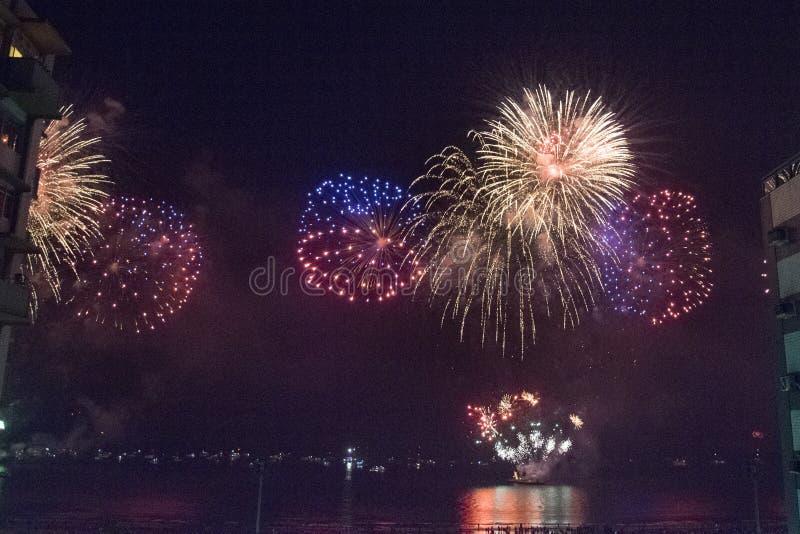 Feux d'artifice la nouvelle année photos stock