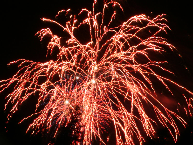 Feux d'artifice rouges images stock