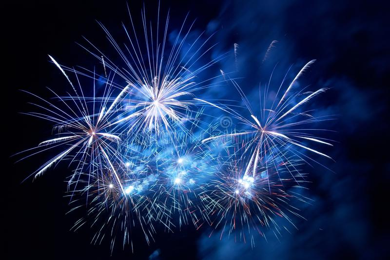 Feux d'artifice, salut. image stock
