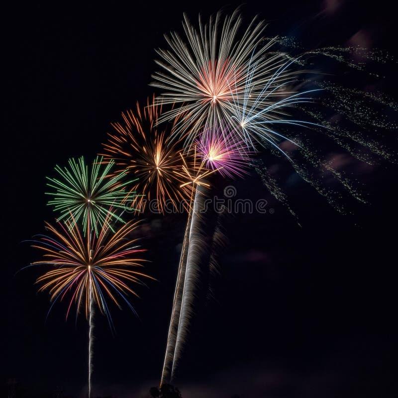 feux d'artifice spectaculaires images libres de droits