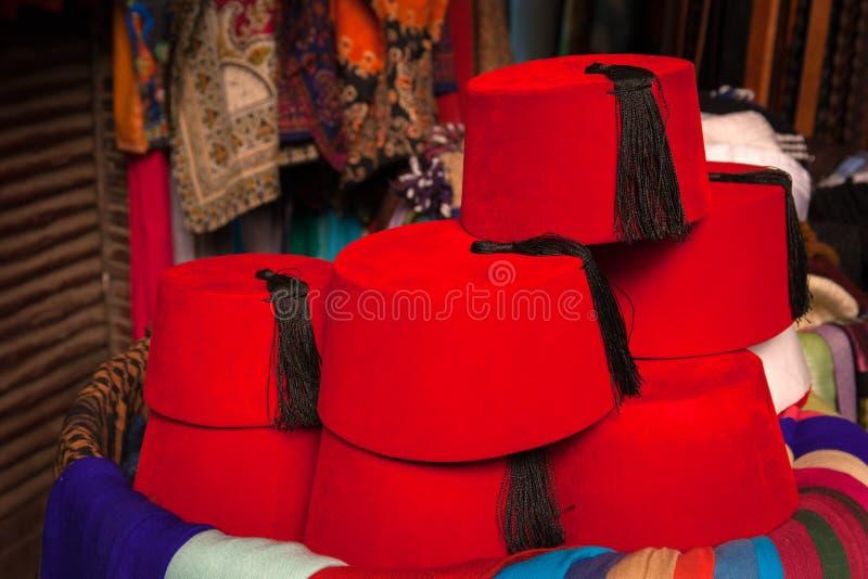 Fezów kapelusze dla sprzedaży zdjęcie royalty free