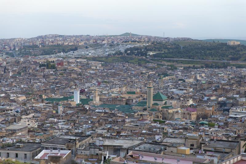Fez-Skyline am Abend, Marokko, 2017 stockbilder