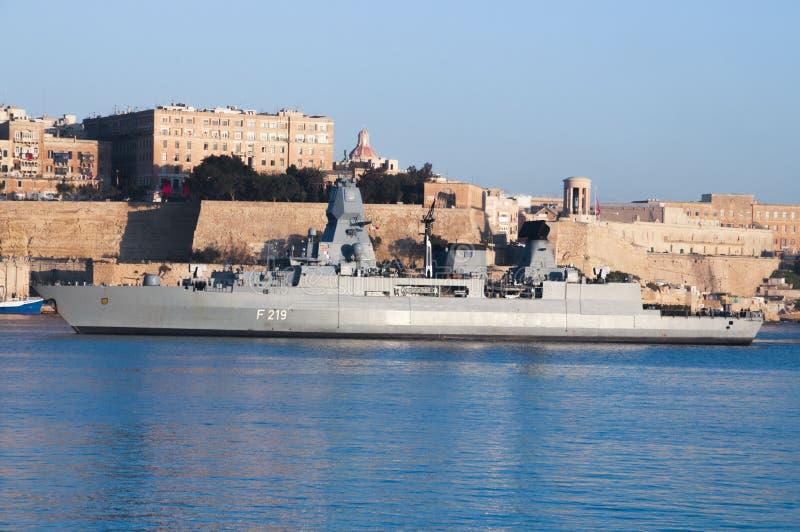 FGS Sajonia que entra en el puerto magnífico, Malta 26 de enero de 18 fotos de archivo