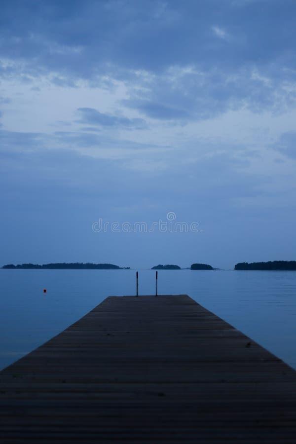 Fiński Błękitny jezioro zdjęcia stock
