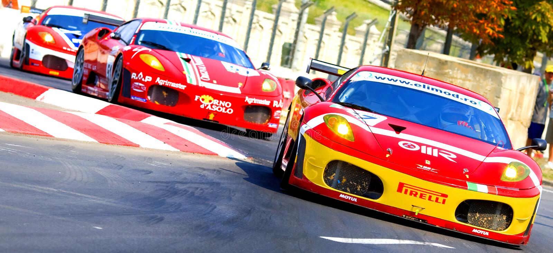 FIA GT race runt om parlamenthuset royaltyfria bilder