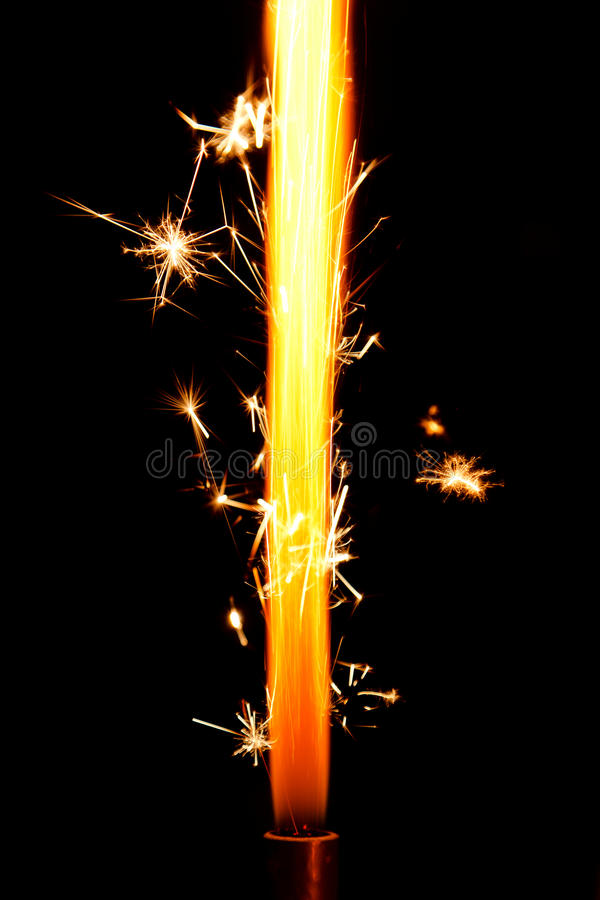 Fiamma dei fuochi d'artificio della torta fotografia stock libera da diritti