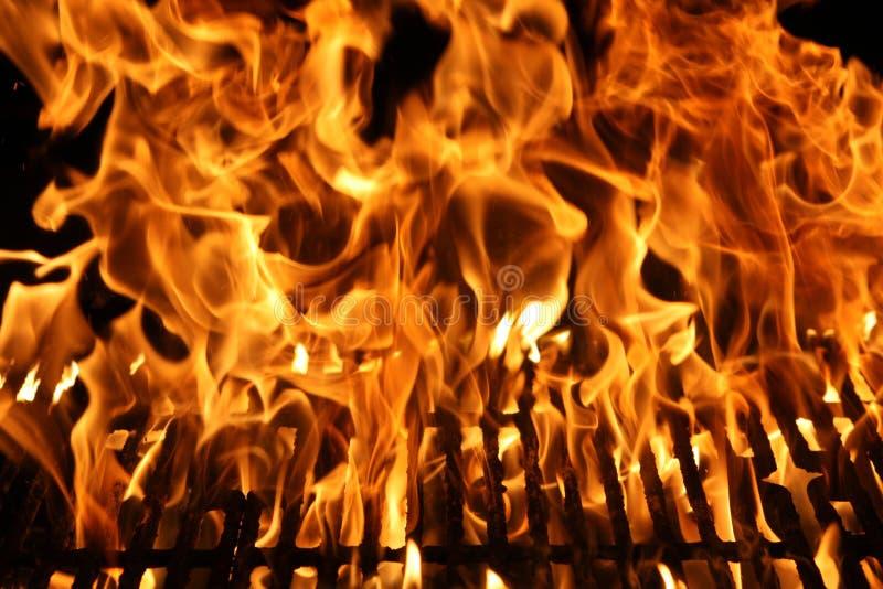 Fiamma di un barbecue immagine stock