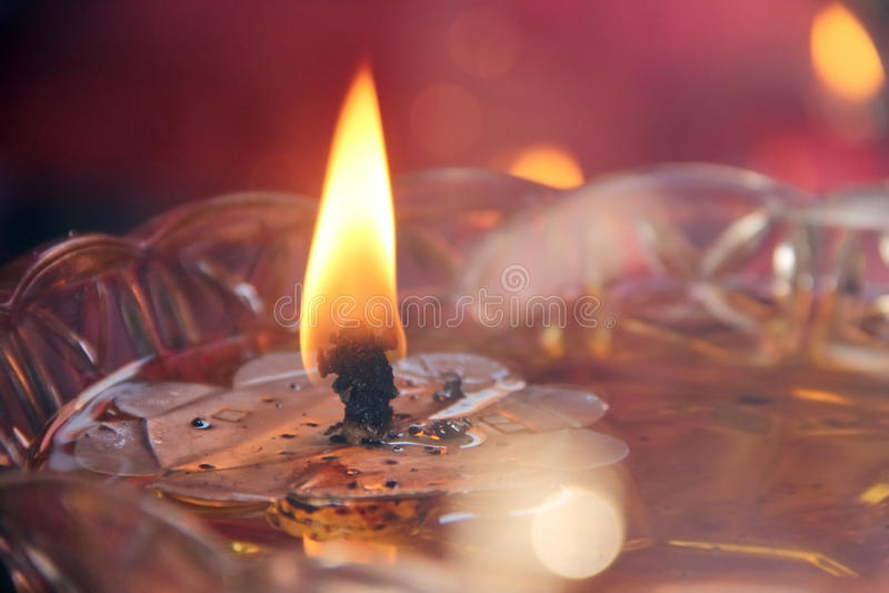 Fiamma sul bruciatore a nafta fotografia stock