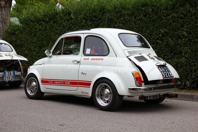 Fiat branco 500 foto de stock