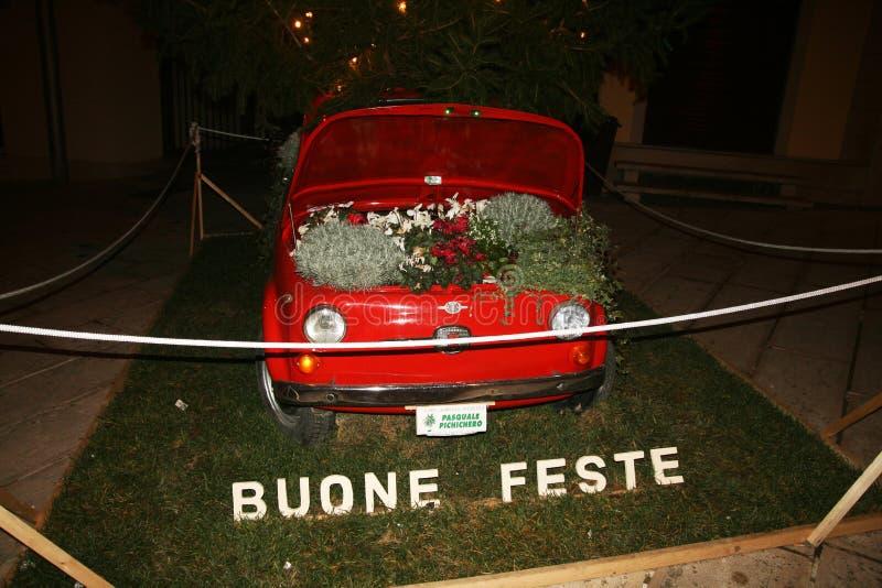 Fiat 500 flores imágenes de archivo libres de regalías
