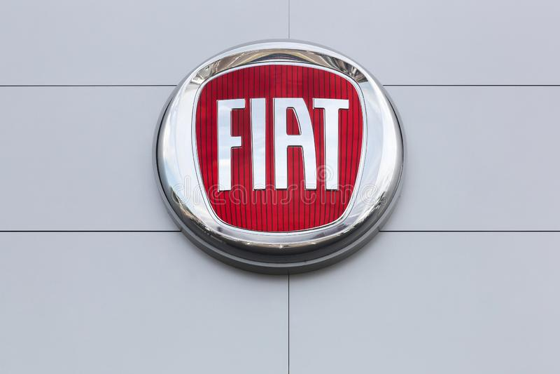Fiat-logo op de muur stock foto
