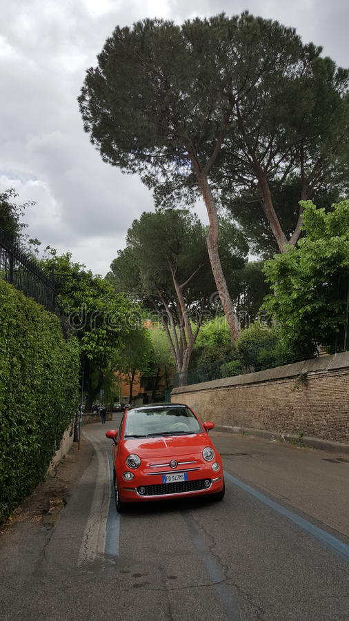 Fiat 500, Rzym, Włochy zdjęcie royalty free