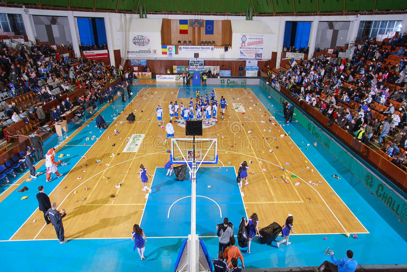 FIBA EuroChallenge: BC Mures vs Rilski Sportist obrazy stock