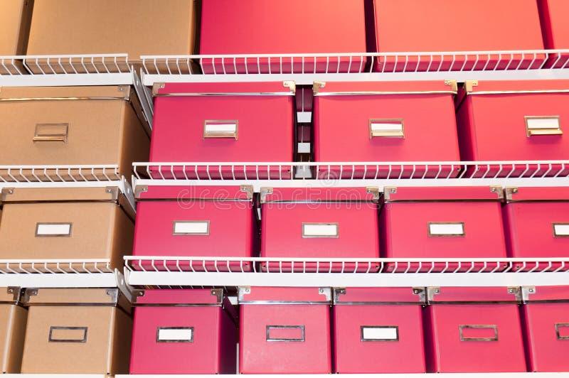 Fichiers sur l'étagère photos stock