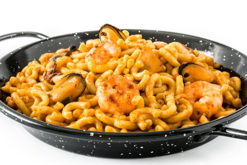 Fideua espanhol tradicional Paella do macarronete isolado fotos de stock royalty free