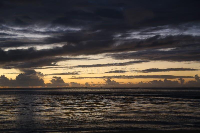 Fidschi-Sonnenuntergang 1 lizenzfreies stockbild