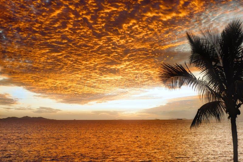 Fidschi-Sonnenuntergang stockfotos