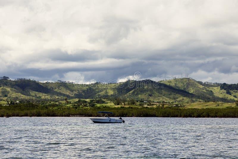 Fidschi vom Ozean stockfotografie