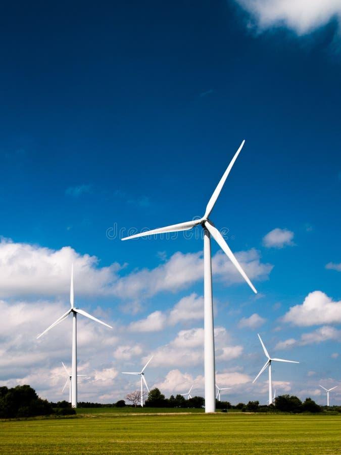 field turbines wind yellow fotografering för bildbyråer