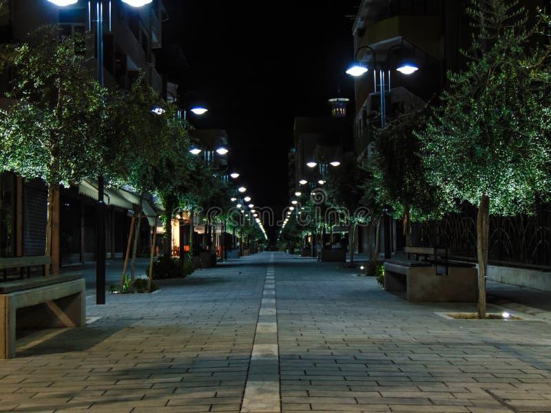 Fier, via della città dell'Albania fotografia stock libera da diritti